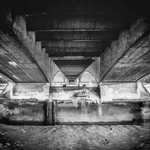 Under_London_Bridge
